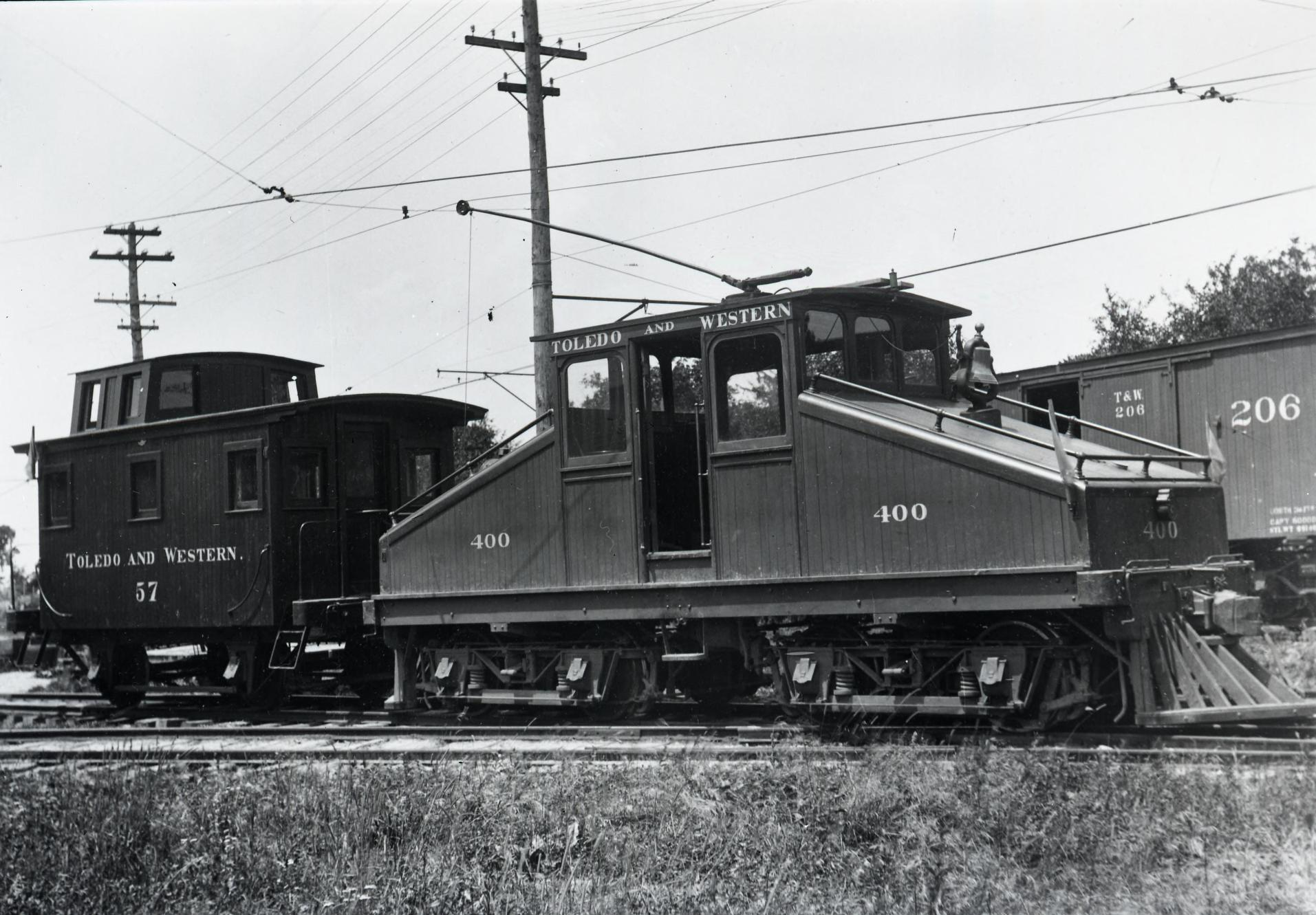 T&W Engine and Caboose